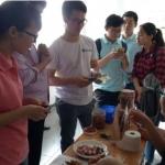 Mời khách hàng ăn thử nem - Tết 2018 - tinh dầu tràm dagiafa